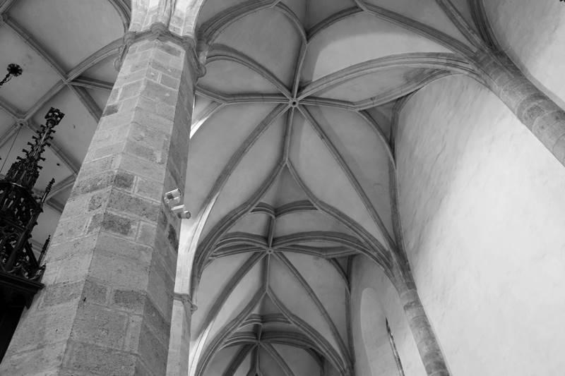 wnetrze gotyckie