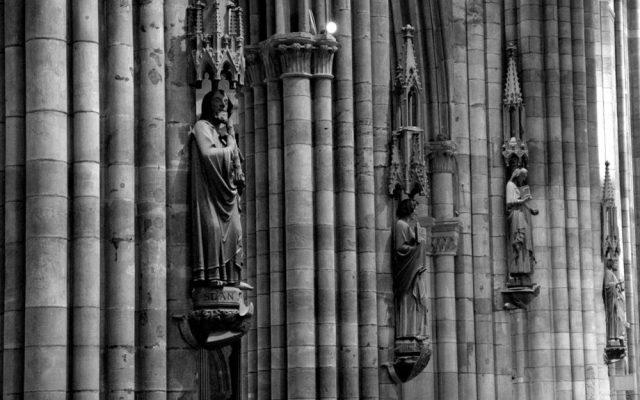 rzezby w katedrze