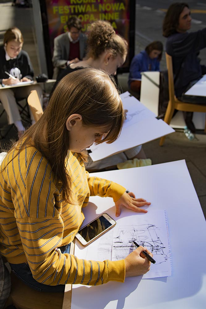 ludzie rysują